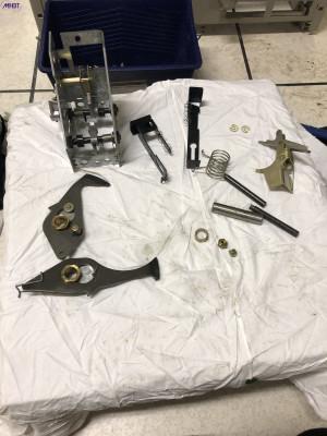Maintenance disjoncteur et contacteur HTA Schneider Electric - Commande FG2 démontée