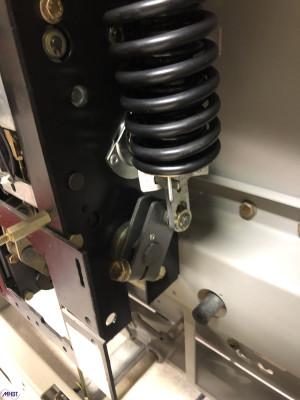 Maintenance disjoncteur et contacteur HTA Schneider Electric - Ressort FG2 avant maintenance